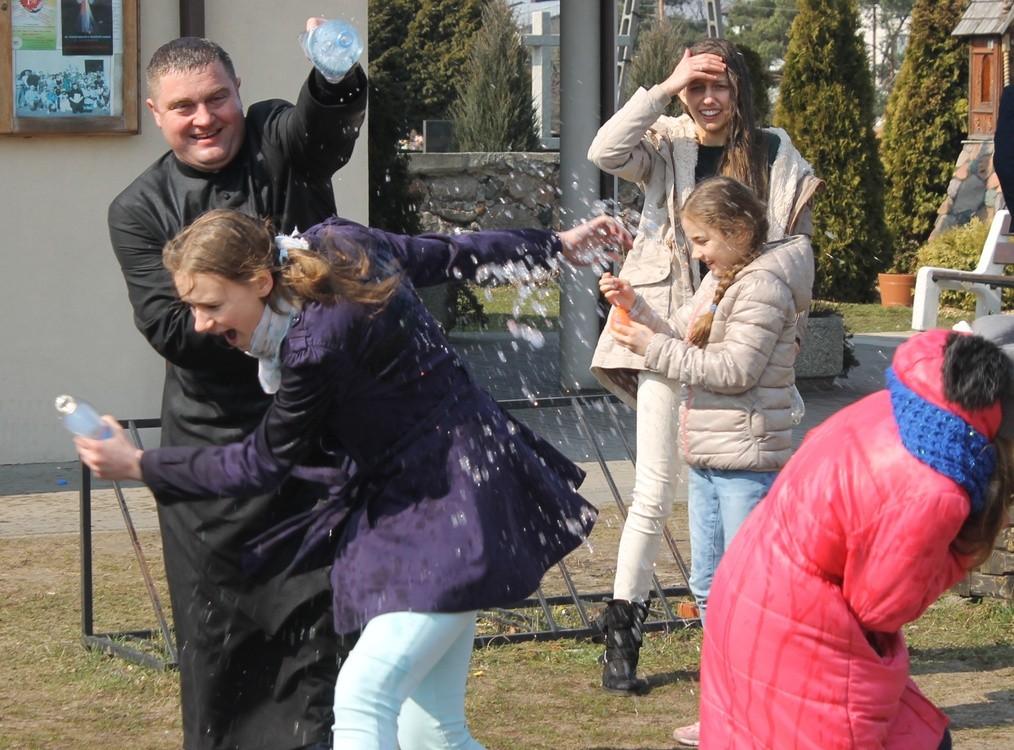 Poniedziałek Wielkanocny I śmigus Dyngus Wwwgoscpl